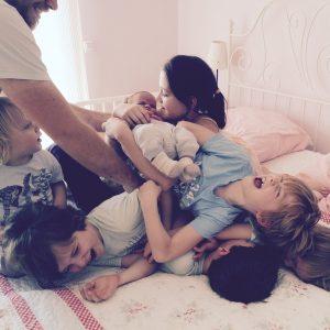 sieben Kinder