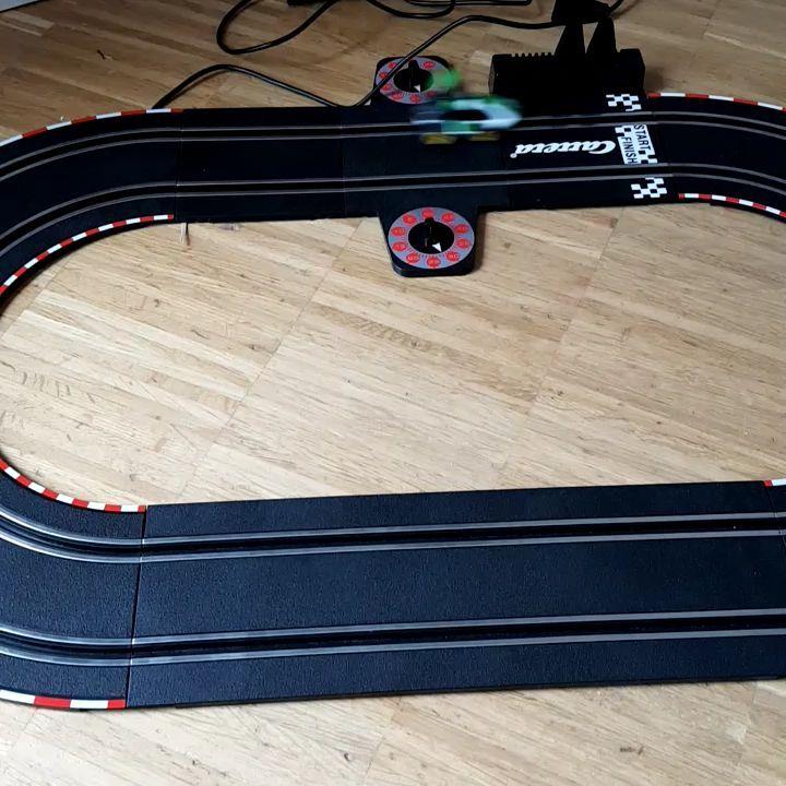 Ausserdem gab es einen Arduino-basierte Carrera Steuerung von Tom.